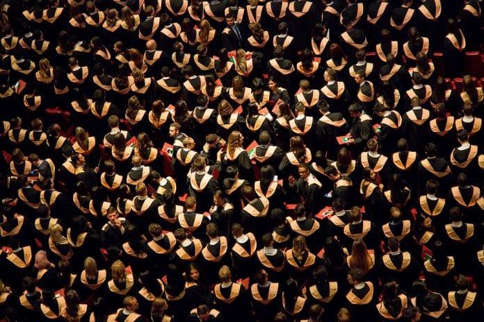 La graduación en América