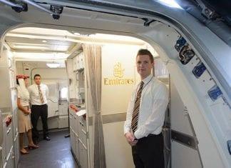 ¿Cómo ser azafata de vuelo? Todos los pasos y requisitos