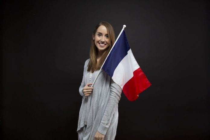Becas Eiffel para latinos, estudia negocios o marketing en Francia