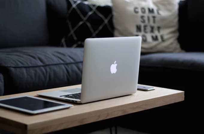 ¿ Quieres trabajar desde casa? Estas kid las mejores web para encontrar empleos
