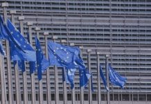 Prácticas remuneradas en el Conveniencia Europeo de Bono Afuera