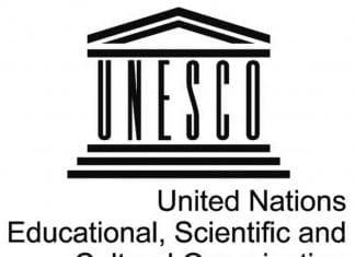 UNESCO da un premio de educación a mujeres y niñas.