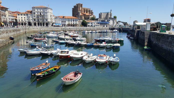Becas para latinos para hacer máster, estudia en España, Universidad de Cantabria.