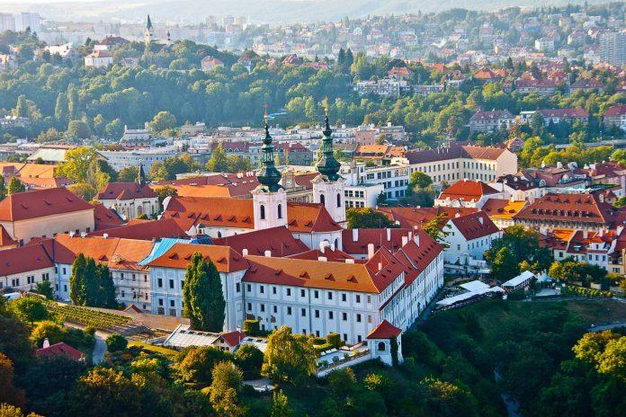 Becas para mexicanos, grado y posgrado en República Checa