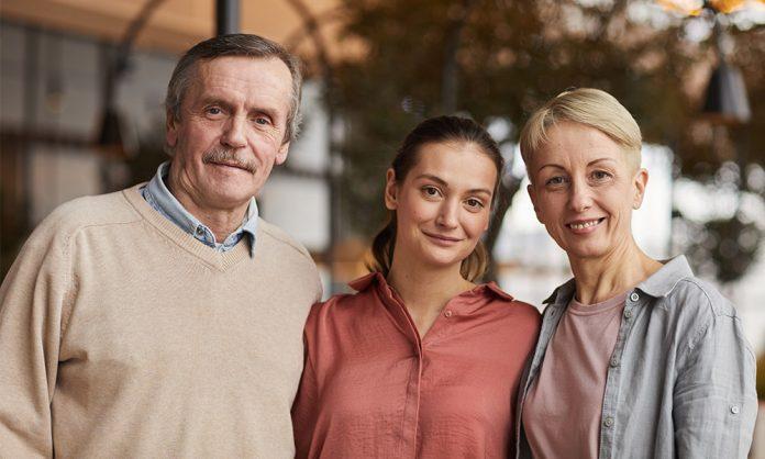 ¿ Qué hay que evitar hacer al momento de solicitar la residencia de los padres?